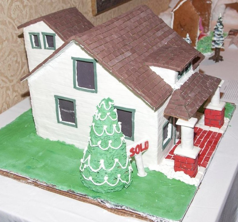 clareen gingerbread house