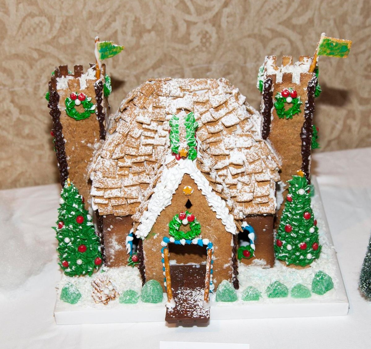 dorothy gingerbread house